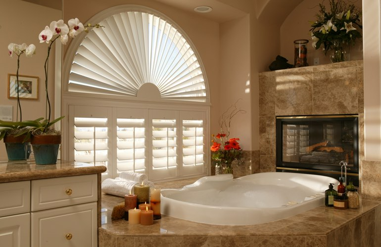 Sunray shutters in a Southern California bathroom.